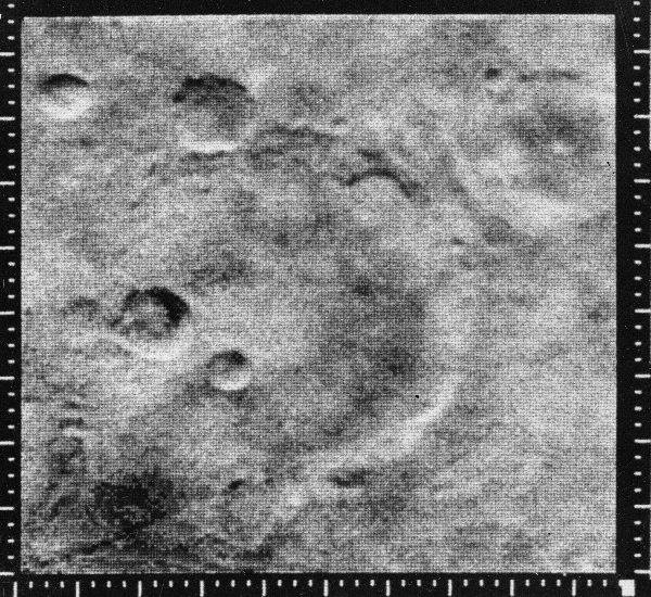 On this day in 1965, the NASA Mariner 4 became the first spacecraft to take close-up photos of Mars, revealing that the planet's surface is cratered.