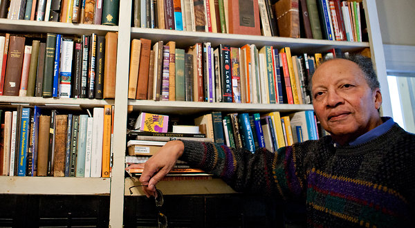 walter dean myers Walter dean myers, beloved and deeply respected children's book author, died on july 1, 2014, following a brief illness he was 76 years old in a career spanning over 45 years, walter dean myers wrote more than 100 books for children of all ages his impressive body of work includes two newbery.