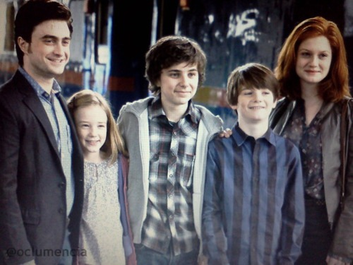 potterfamilyportrait_thumb[2]
